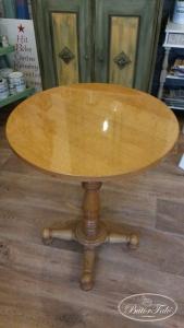 asztalka01